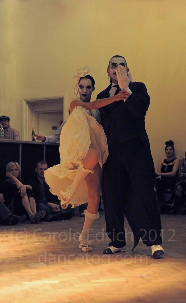 Capussi and Flores performing at Negracha, London