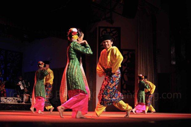 Traditional Gawai dance in Malaysia