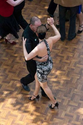 Tango Al Fresco, June 2008. In the front the dancers are giving