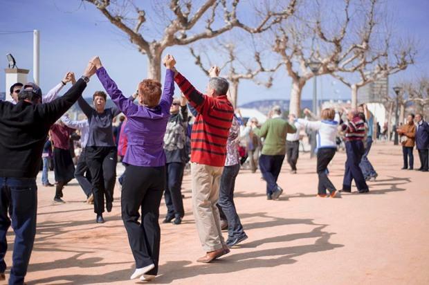 Sardanes dancers on the Spanish Catalan Coast, (c) Carole Edrich 2010
