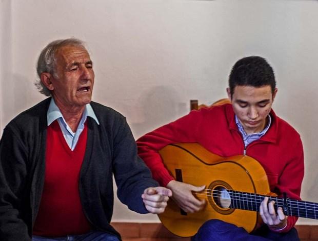 Singer Joaquin Pipsin and guitarist Alvaro Mora at Peña del Cante Jondo in Moguer, Huelva. (c) Carole Edrich 2013