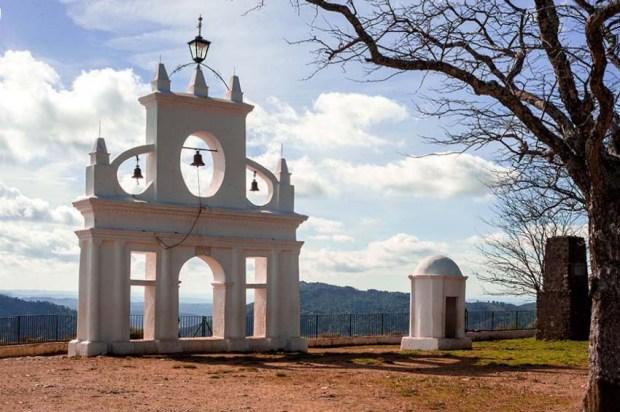 la Peña de Arias Montano, Alájar, Spain. (c) Carole Edrich 2013