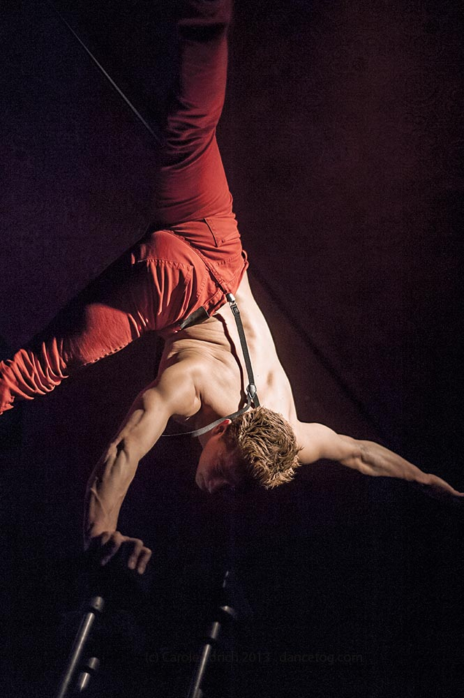 Felipe performing acrobalance at at the House of Wolf, (c) Carole Edrich 2013
