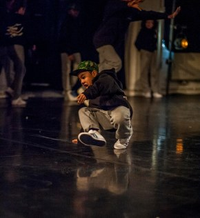 Performer at One Youth Dance's Unwritten, (c) Carole Edrich 2012