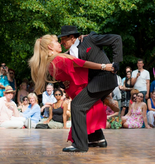 Los Ocampo at Tango Al Fresco. Regents Park, London. (c) Carole Edrich July 2013.