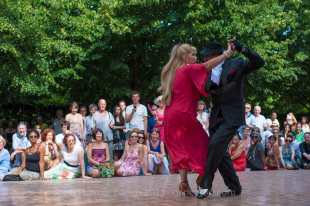 Los Ocampo demonstrating at Tango Al Fresco, (c) Carole Edrich 2013