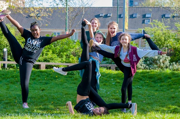 One Youth Dance after their final rehearsal, (c) Carole Edrich 2014