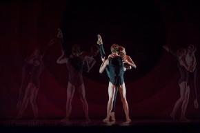 Outlier by Wayne McGregor | Random Dance, part of See the Music, Hear the Dance at Sadler's Wells, (c) Carole Edrich 2014